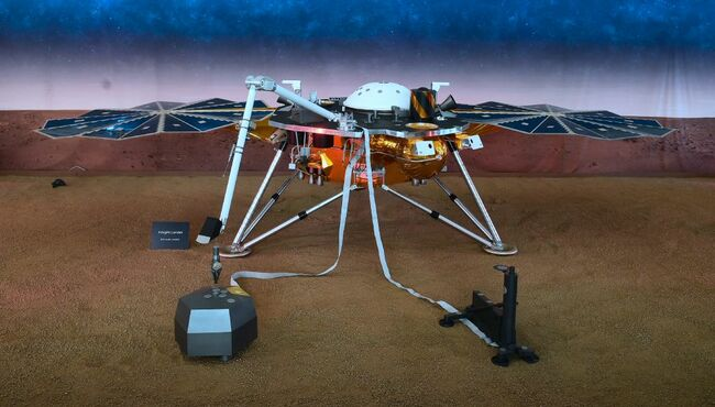 InSight Lander measures first 'quake' on Mars