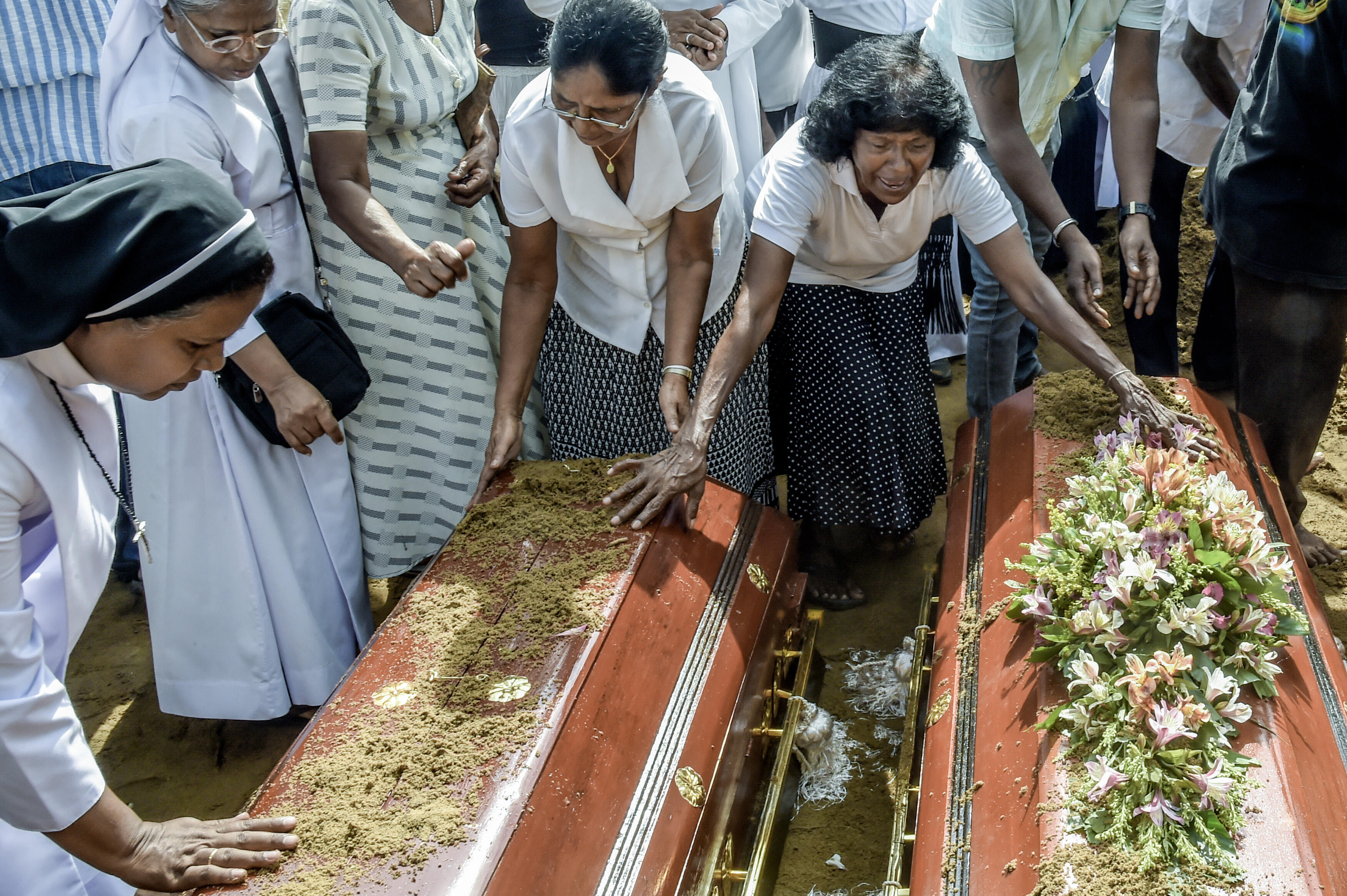 Hundreds Are Dead After a Terror Attack as Sri Lanka Picks Up the Pieces