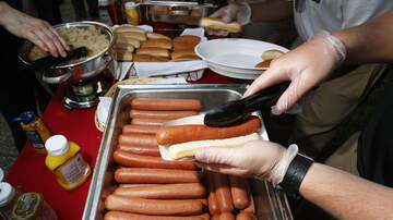 image for  NYC To Ban Hot Dogs and Processed Meats To Improve Climate