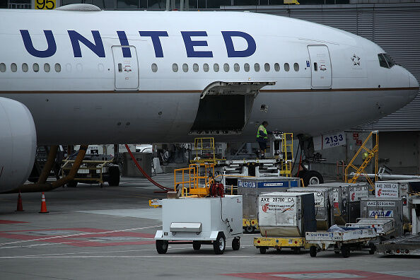 Airlines Making Billions Off Luggage Fees