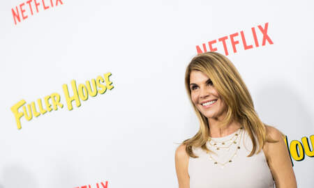 Entertainment News - Lori Loughlin's Bribery Scam Defense Will Be That She 'Didn't Know'