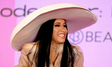 Trending - Cardi B Shows Off Her Abs & Sings 'Gospel' Remix Of 'Clout' In Underwear