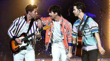 Erik Zachary - The Jonas Brothers surprised fans with an exclusive event!