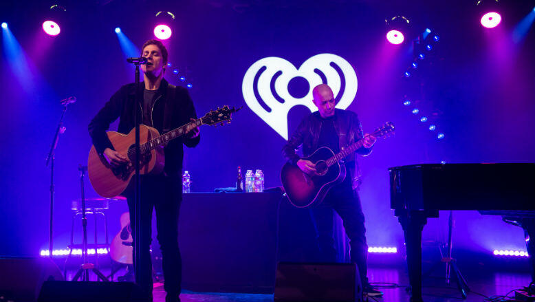 Rob Thomas' iHeartRadio Theater Show: Hits, A Taylor Swift Shoutout & More