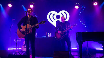 iHeartRadio Live - Rob Thomas' iHeartRadio Theater Show: Hits, A Taylor Swift Shoutout & More