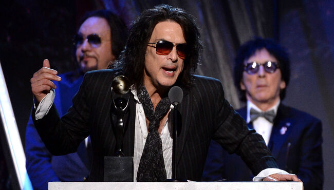 Paul Stanley Says Peter Criss Has No Life, Always Plays The Victim