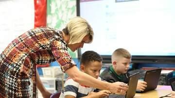 Local Houston & Texas News - HISD Teacher Pay Raises