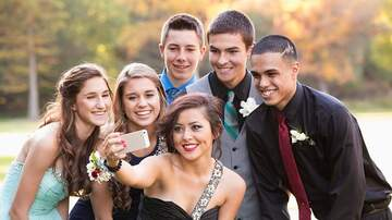 Anna de Haro - Prom-goers Give Up Their Phones For Free Meal