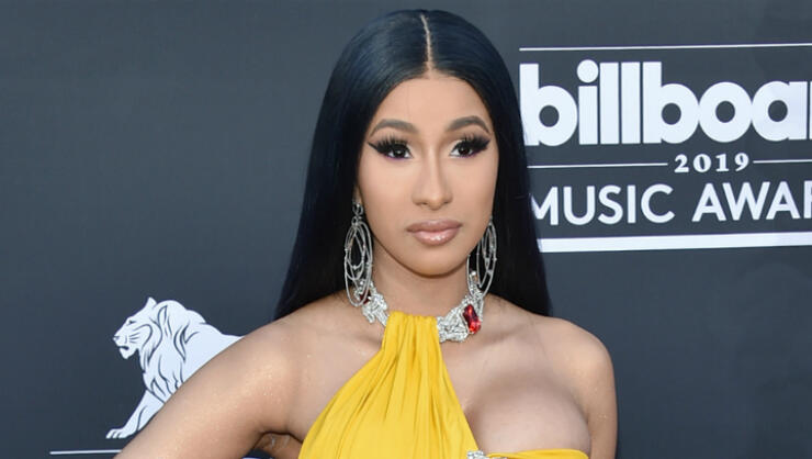 Cardi B Blue Hair: Cardi B Flaunts Her Rock Hard Abs On 2019 Billboard Music