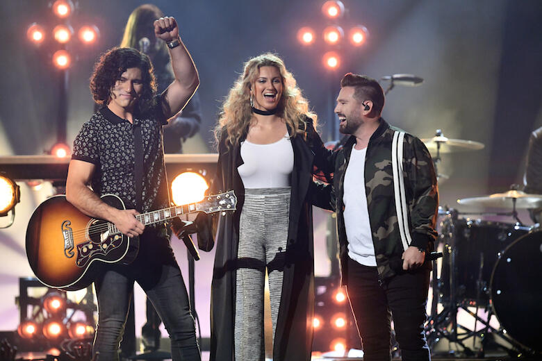 "Dan + Shay Turn ""Speechless"" Into Gorgeous Duet with Tori Kelly at BBMAs"