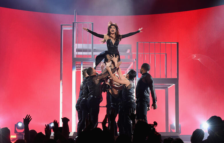 Every Jaw-Dropping Moment From Paula Abdul's BBMAs Performance