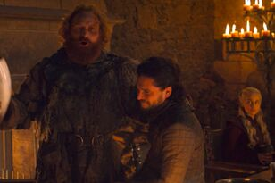 A Starbucks Cup Was Left In A Scene On 'GOT' & Twitter Is Going Crazy