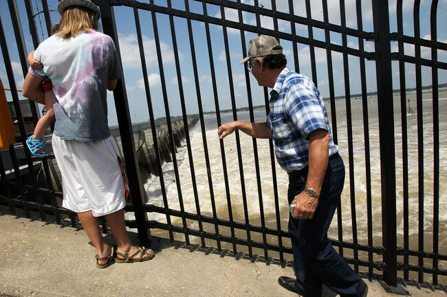 Louisiana Opens Spillway To Divert Rising Mississippi River