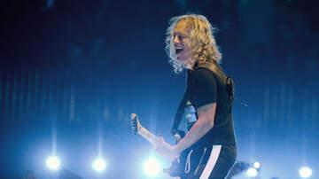 Ken Dashow - Watch Metallica's Kirk Hammett Slip On His Wah-Wah Pedal During Guitar Solo