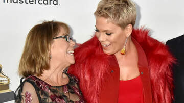 Mother's Day - Pink Reveals The Important Lesson She Learned From Her Mother