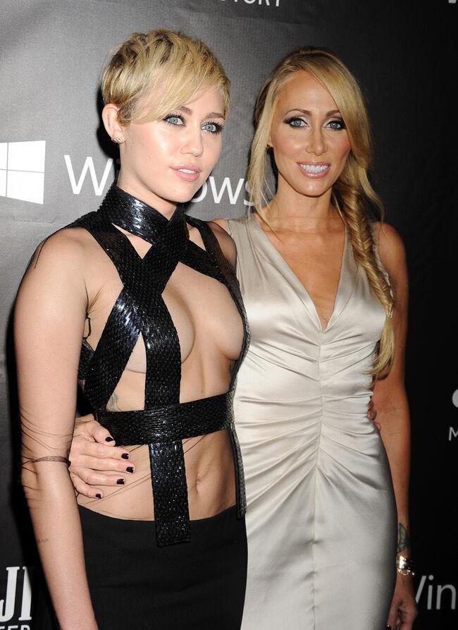 amfAR LA Inspiration Gala Honoring Tom Ford Hosted By Gwyneth Paltrow