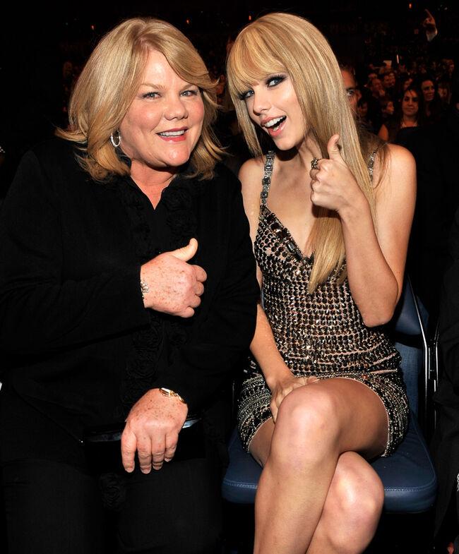 2010 American Music Awards - Inside