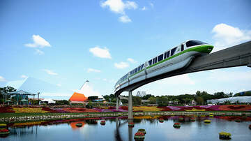 Florida News - Passengers Rescued from Stalled Disney World Monorail
