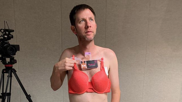 Bobby Bones - Lunchbox Goes To Department Stores Asking About Bra Gift For Mother