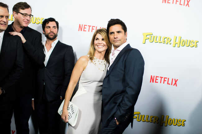 "An Alternative View Of Netflix's ""Fuller House"" Premiere"