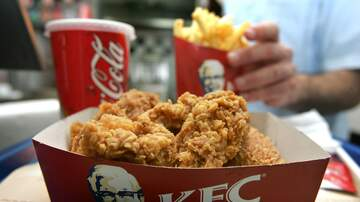 Crystal Rosas - Student Arrested for Pretending to Work at KFC for a YEAR for Free Chicken