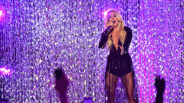 Jessica - CARRIE UNDERWOOD: To Perform on Idol Finale