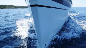 Neko En La Tarde - Un barco llamado Amén resacata a dos jovenes
