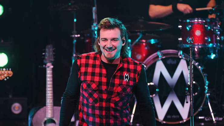 Morgan Wallen Releases Video for Whiskey Glasses | 94.9 ...
