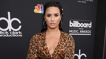 Headlines - Demi Lovato Thanks Friends For Supporting Her Through Her 'Darkest Moments'