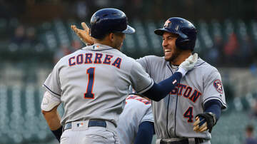 Sports Desk - Streaking 'Stros Smother Tigers