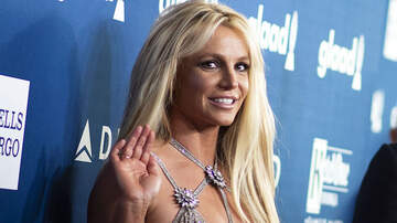 Entertainment News - Britney Spears Source Says Singer 'Isn't In Control Over Her Emotions'