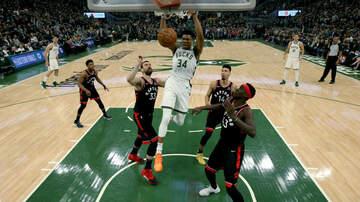 Bucks - Highlights: Bucks 125, Raptors 103 - Game 2