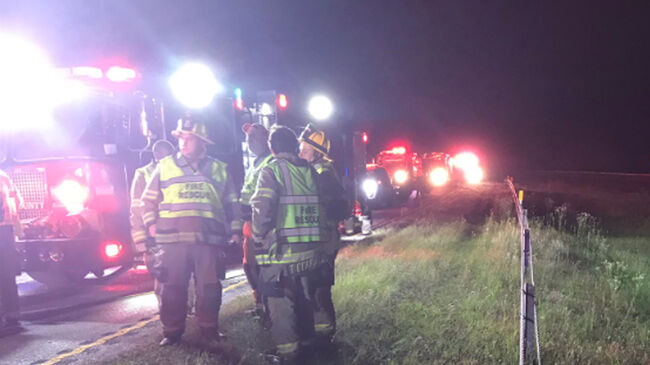 2 dead, 1 injured after Travis Tritt's tour bus gets in accident with drunk driver