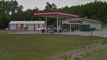 None - Suspicious device at Iowa gas station, bomb squad called in