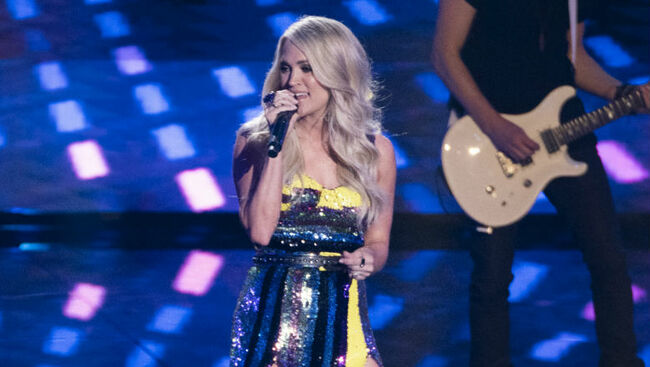 Carrie Underwood Returns To 'American Idol' For 'Southbound' Performance