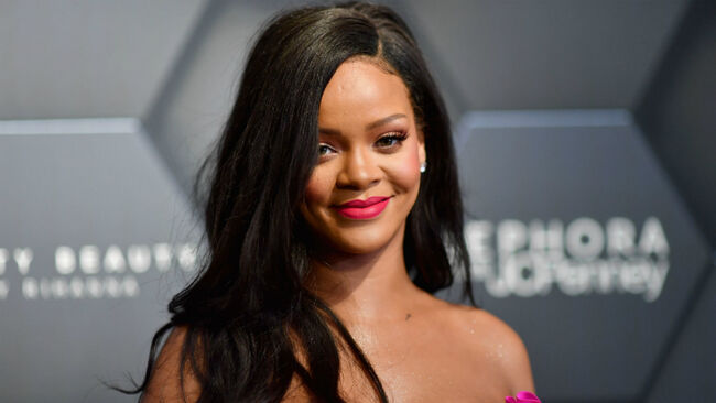Rihanna FINALLY Reveals Details About Her Upcoming Album 'R9'