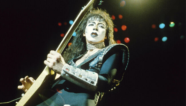 Photo of KISS and Vinnie VINCENT