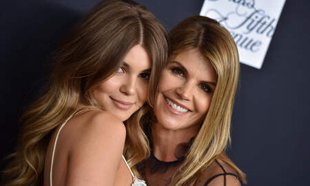 Entertainment News - Lori Loughlin's Daughter 'Begging' USC 'To Let Her Back In'