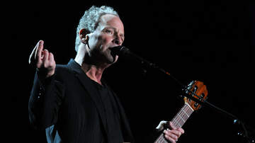 iHeartRadio Music News - Lindsey Buckingham Returns To Stage Months After Emergency Heart Surgery