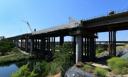 Politics - California Sues Trump Administration Over Cancelled High-Speed Rail Money