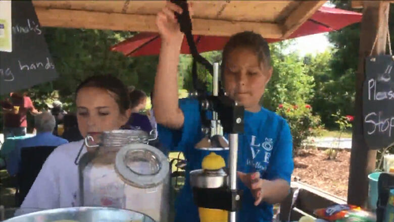 Sisters Open Lemonade Stand To Help Pay Off Friends' Lunch Debt
