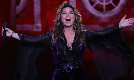 Music News - Shania Twain Heads Back To Hollywood