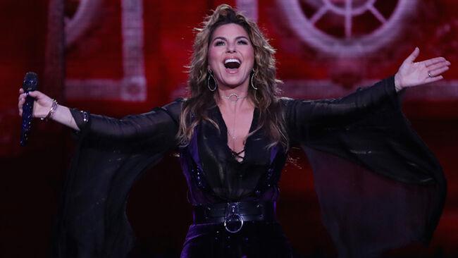 Shania Twain Heads Back To Hollywood