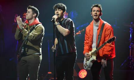 Entertainment News - Jonas Brothers Reveal New Album 'Happiness Begins' Track List