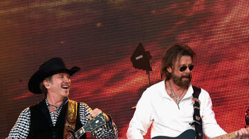 The Tom - Brooks and Dunn: Reboot Crossroads