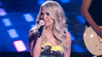 "Chris & Rosie - Carrie Underwood Wore A 158-Carat Ring On ""Idol"" Finale"