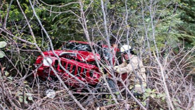 Woman Spots Jeep Dangling Over A Ravine With Driver Trapped Inside   iHeartRadio