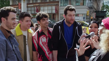 iHeartRadio Music News - Billy Eichner Takes The Jonas Brothers On A Scream-Filled Run Through NYC
