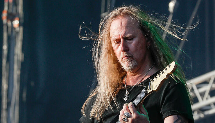 Jerry Cantrell Reveals His Favorite Alice In Chains Songs | iHeartRadio