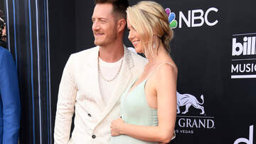 CMT Cody Alan - FGL's Tyler Hubbard and Wife Hayley Say 'Bonjour' From Paris